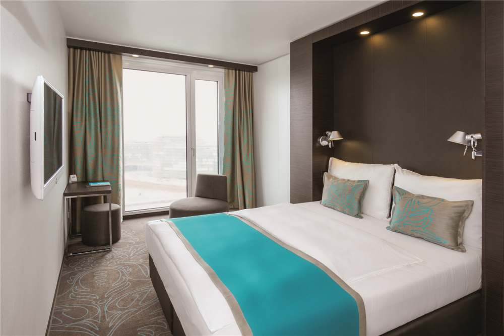 motel one premiere in paris cost logis. Black Bedroom Furniture Sets. Home Design Ideas